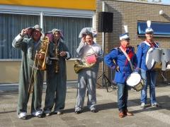 Ludiek optreden van Liora muzikanten